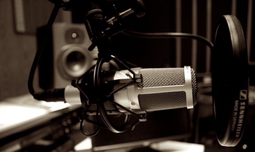 foto radio microfon - Alzira Radio notícies d'Alzira