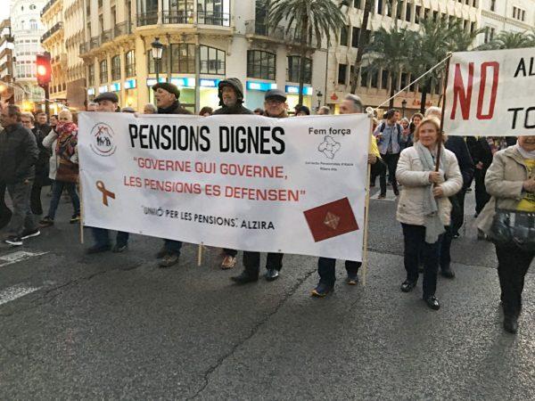 El Col·lectiu Unió per les Pensions d'Alzira s'unix a la marxa a peu fins a Madrid per revindicar els drets de la ciutadania