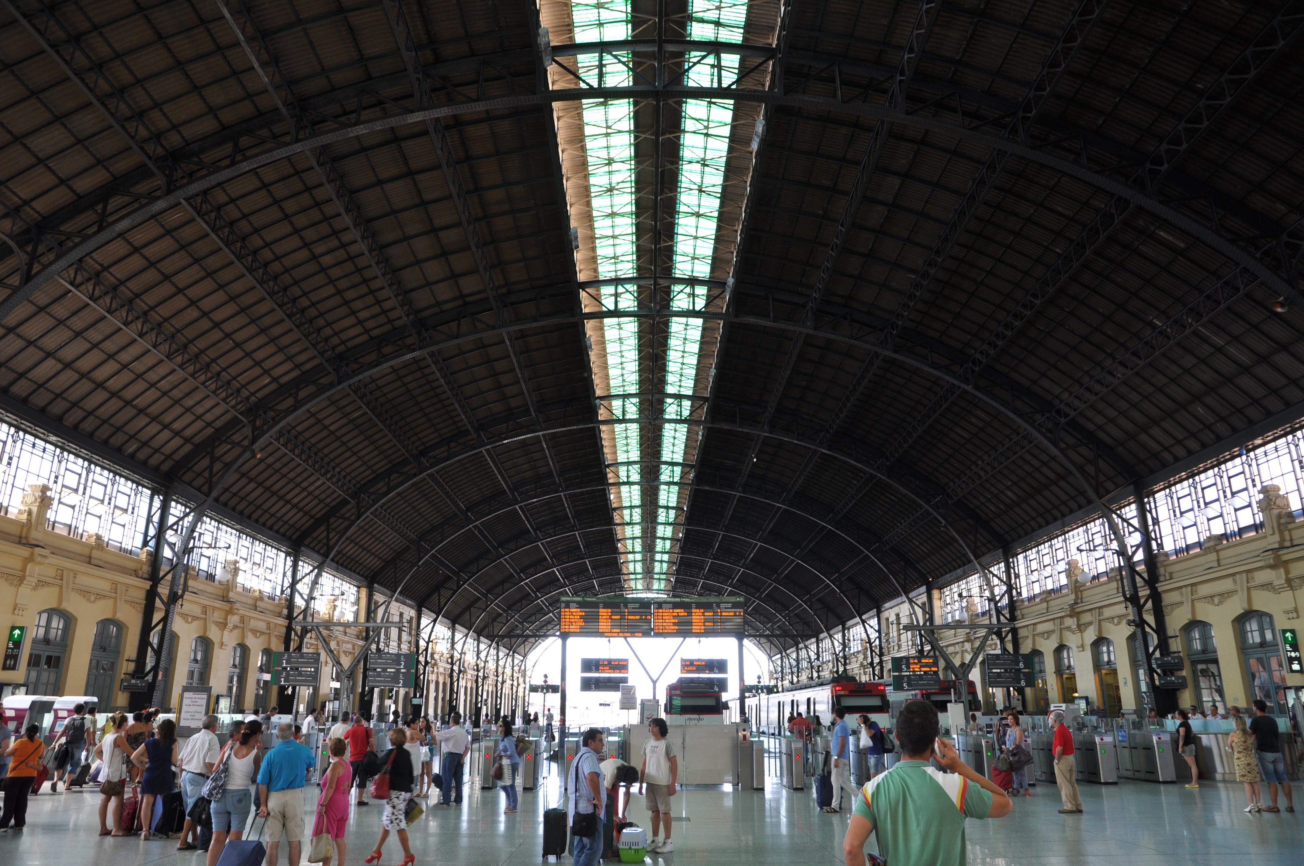 Estació del Nord de València 15082012 01 - Alzira Radio notícies d'Alzira