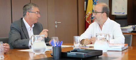 Gómez demana recursos al Conseller d'Economia per a la millora dels polígons i projectes d'economia i comerç.