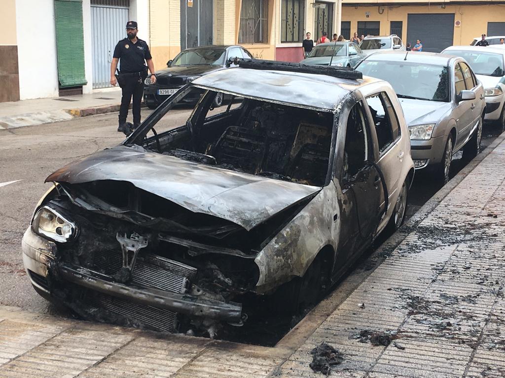 incendi cotxe exparella alzira - Alzira Radio notícies d'Alzira