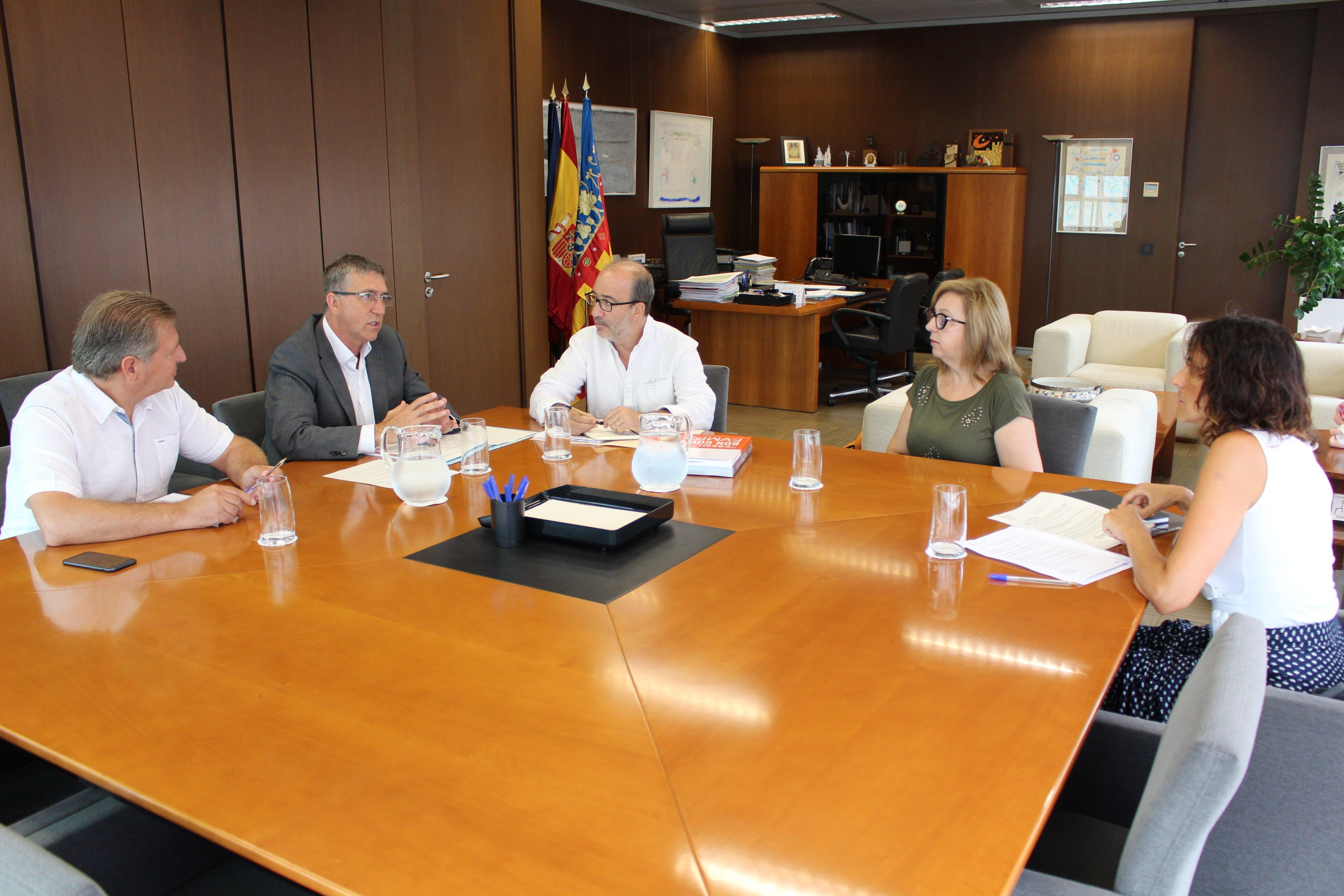 reunio alcaldia conselleria economia - Alzira Radio notícies d'Alzira